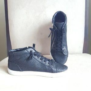 DV by Dolce Vita sneakers.  Sz 8.5